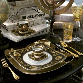 Medusa Gold Plated Cutlery 24 Piece Cutlery Gift Box